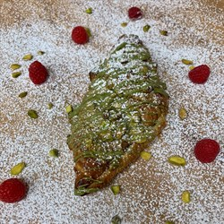 Croissant - Pistachio Raspberry
